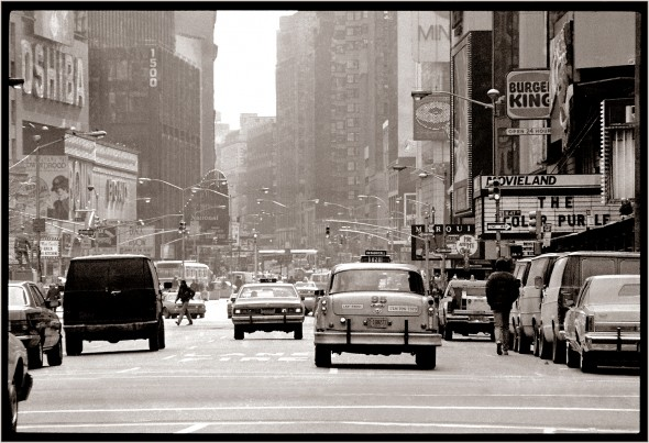 Checker-taxi-times-Square