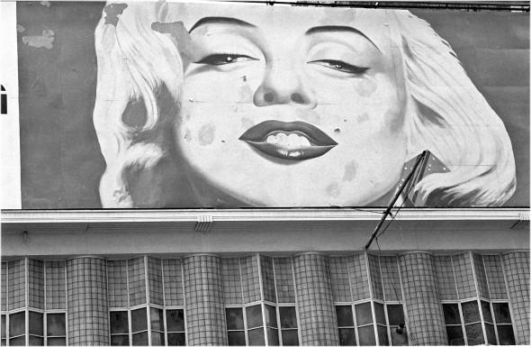 TimesSq-MarilynBillboard-1988 copy