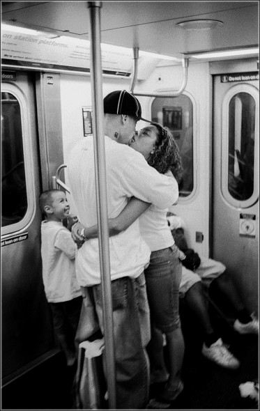 kissed kid subway